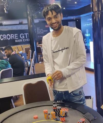 Vivek Rughani Busts 3 in single hand